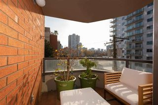 """Photo 6: 401 1860 ROBSON Street in Vancouver: West End VW Condo for sale in """"STANLEY PARK PLACE"""" (Vancouver West)  : MLS®# R2426901"""