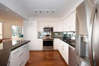 """Photo 12: 401 1860 ROBSON Street in Vancouver: West End VW Condo for sale in """"STANLEY PARK PLACE"""" (Vancouver West)  : MLS®# R2426901"""