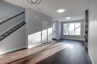 Photo 3: 9746 72 Avenue NW in Edmonton: Zone 17 House Half Duplex for sale : MLS®# E4196427