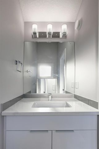Photo 19: 9746 72 Avenue NW in Edmonton: Zone 17 House Half Duplex for sale : MLS®# E4196427