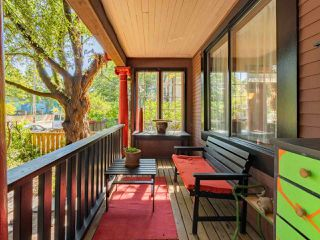 Photo 2: 1023 Mclean Street in Vancouver: Grandview Woodland House for sale (Vancouver East)