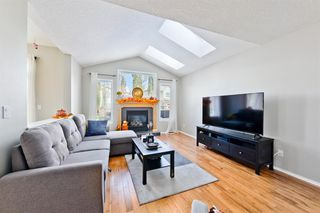 Photo 8: 223 Cougarstone Circle SW in Calgary: Cougar Ridge Detached for sale : MLS®# A1043883