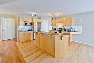 Photo 4: 223 Cougarstone Circle SW in Calgary: Cougar Ridge Detached for sale : MLS®# A1043883