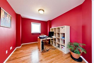 Photo 3: 223 Cougarstone Circle SW in Calgary: Cougar Ridge Detached for sale : MLS®# A1043883