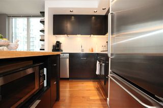"Photo 5: 1106 1055 HOMER Street in Vancouver: Yaletown Condo for sale in ""DOMUS"" (Vancouver West)  : MLS®# R2518319"