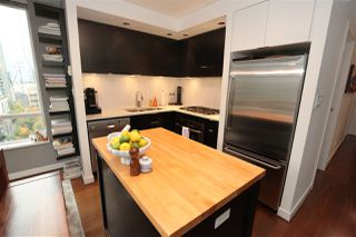 "Photo 4: 1106 1055 HOMER Street in Vancouver: Yaletown Condo for sale in ""DOMUS"" (Vancouver West)  : MLS®# R2518319"