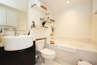 "Photo 12: 1106 1055 HOMER Street in Vancouver: Yaletown Condo for sale in ""DOMUS"" (Vancouver West)  : MLS®# R2518319"