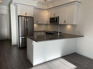 """Photo 4: 113 2436 KELLY Avenue in Port Coquitlam: Central Pt Coquitlam Condo for sale in """"LUMIERE"""" : MLS®# R2528585"""