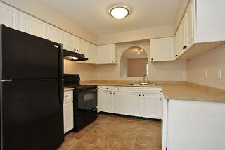 """Photo 9: 11 26970 32ND Avenue in Langley: Aldergrove Langley Townhouse for sale in """"Parkside"""" : MLS®# F1202431"""