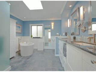 """Photo 7: 15388 COLUMBIA Avenue: White Rock House for sale in """"Hillside"""" (South Surrey White Rock)  : MLS®# F1306488"""