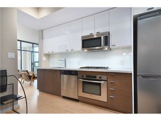 """Photo 4: # 603 531 BEATTY ST in Vancouver: Downtown VW Condo for sale in """"METROLIVING"""" (Vancouver West)  : MLS®# V999631"""