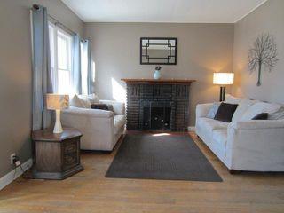Photo 3: 327 Belvidere Street in WINNIPEG: St James Residential for sale (West Winnipeg)  : MLS®# 1308276