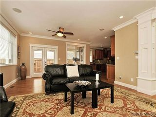 Photo 2: 782 Ironwood Pl in VICTORIA: SE Cordova Bay Single Family Detached for sale (Saanich East)  : MLS®# 640523