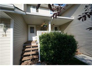 Photo 2: 26 567 EDMONTON Trail NE: Airdrie Townhouse for sale : MLS®# C3578088