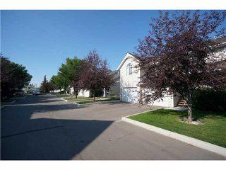 Photo 4: 26 567 EDMONTON Trail NE: Airdrie Townhouse for sale : MLS®# C3578088