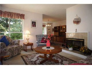 """Photo 9: 17 9000 ASH GROVE Crescent in Burnaby: Forest Hills BN Townhouse for sale in """"ASHBROOK PLACE"""" (Burnaby North)  : MLS®# V1019727"""