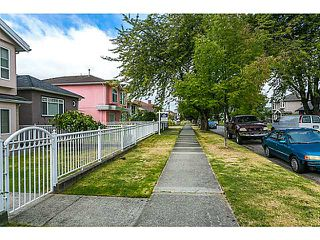 "Photo 19: 2686 VENABLES Street in Vancouver: Renfrew VE House for sale in ""RENFREW"" (Vancouver East)  : MLS®# V1083995"