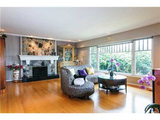Photo 2: 1751 MATHERS AV in West Vancouver: Ambleside House for sale : MLS®# V1105546