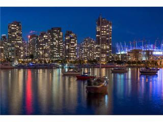 Photo 11: 2106 1033 MARINASIDE CRESCENT in Vancouver: Yaletown Condo for sale (Vancouver West)  : MLS®# V1140336
