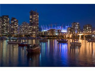 Photo 10: 2106 1033 MARINASIDE CRESCENT in Vancouver: Yaletown Condo for sale (Vancouver West)  : MLS®# V1140336