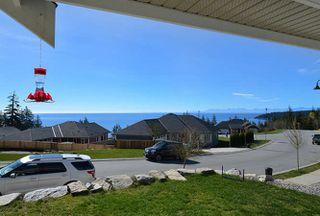 Photo 4: 5533 PEREGRINE CRESCENT in Sechelt: Sechelt District House for sale (Sunshine Coast)  : MLS®# R2048842