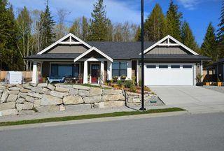 Photo 2: 5533 PEREGRINE CRESCENT in Sechelt: Sechelt District House for sale (Sunshine Coast)  : MLS®# R2048842