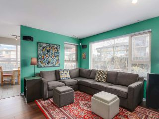 Photo 3: 103 200 KLAHANIE DRIVE in Port Moody: Port Moody Centre Condo for sale : MLS®# R2040361
