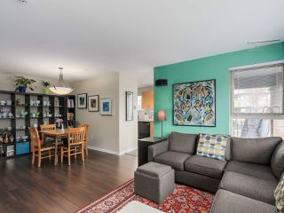 Photo 4: 103 200 KLAHANIE DRIVE in Port Moody: Port Moody Centre Condo for sale : MLS®# R2040361