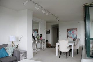 Photo 4: Vancouver West in Yaletown: Condo for sale : MLS®# R2083981