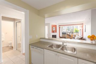 Photo 4: 404 211 TWELFTH STREET in New Westminster: Uptown NW Condo for sale : MLS®# R2285859