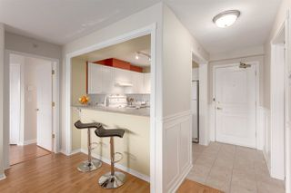 Photo 2: 404 211 TWELFTH STREET in New Westminster: Uptown NW Condo for sale : MLS®# R2285859