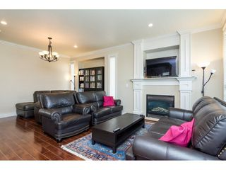 Photo 3: 6871 196 STREET in Surrey: Clayton House for sale (Cloverdale)  : MLS®# R2287647
