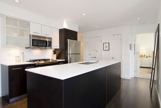 Photo 4: 407 935 W 16TH STREET in North Vancouver: Hamilton Condo for sale : MLS®# R2060380
