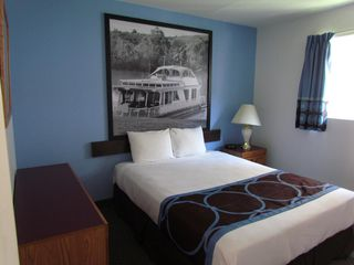 Photo 12: Exclusively listed Motel: Business with Property for sale