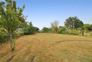 Photo 19: 2851 Colquitz Avenue in VICTORIA: SW Gorge Single Family Detached for sale (Saanich West)  : MLS®# 415801