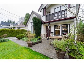 Photo 2: 1420 129B ST in Surrey: Crescent Bch Ocean Pk. House for sale (South Surrey White Rock)  : MLS®# F1436054
