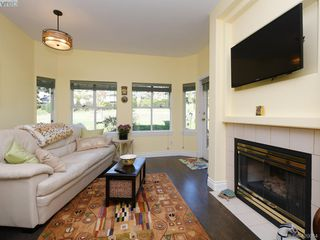 Photo 9: 95 530 Marsett Place in VICTORIA: SW Royal Oak Row/Townhouse for sale (Saanich West)  : MLS®# 420064