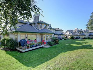 Photo 21: 95 530 Marsett Place in VICTORIA: SW Royal Oak Row/Townhouse for sale (Saanich West)  : MLS®# 420064
