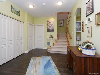Photo 4: 95 530 Marsett Place in VICTORIA: SW Royal Oak Row/Townhouse for sale (Saanich West)  : MLS®# 420064