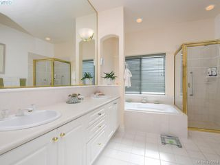 Photo 15: 95 530 Marsett Place in VICTORIA: SW Royal Oak Row/Townhouse for sale (Saanich West)  : MLS®# 420064