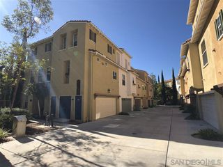 Photo 2: CHULA VISTA Townhouse for sale : 2 bedrooms : 2269 Huntington Point Rd #115