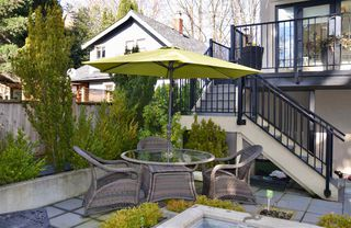 "Photo 18: 200 656 W 13TH Avenue in Vancouver: Fairview VW Condo for sale in ""CHEZ NOUS"" (Vancouver West)  : MLS®# R2433312"
