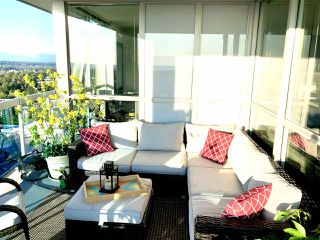 """Photo 1: 2302 11967 80 Avenue in Delta: Scottsdale Condo for sale in """"Delta Rise"""" (N. Delta)  : MLS®# R2473205"""