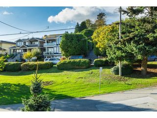 Photo 29: 962 FINLAY Street: White Rock House for sale (South Surrey White Rock)  : MLS®# R2511125
