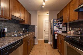 Photo 4: 7B CASTLE Terrace in Edmonton: Zone 27 Townhouse for sale : MLS®# E4221093