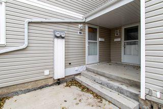 Photo 2: 7B CASTLE Terrace in Edmonton: Zone 27 Townhouse for sale : MLS®# E4221093