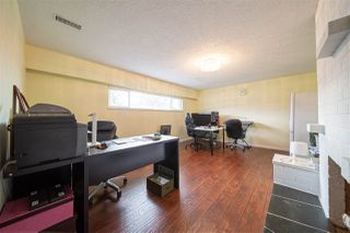 Photo 18: 1429 SMITH Avenue in Coquitlam: Central Coquitlam House for sale : MLS®# R2528367