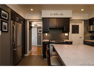 Photo 2: 1296 Downham Pl in VICTORIA: SE Maplewood Single Family Detached for sale (Saanich East)  : MLS®# 607645