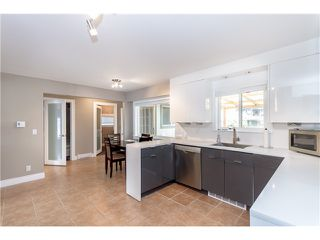 Photo 2: 10930 141ST Street in Surrey: Bolivar Heights House for sale (North Surrey)  : MLS®# F1418193