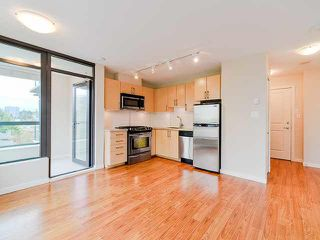 "Photo 2: 801 1068 W BROADWAY in Vancouver: Fairview VW Condo for sale in ""THE ZONE"" (Vancouver West)  : MLS®# V1079298"